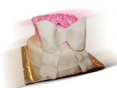bow-and-roses-cake-1