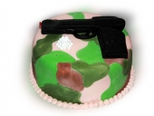 camo-cake-with-airsoft-gun-and-bullets